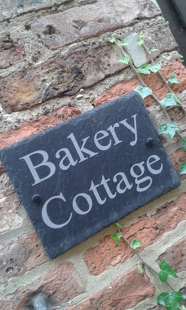 bakery-cottage-house-sign